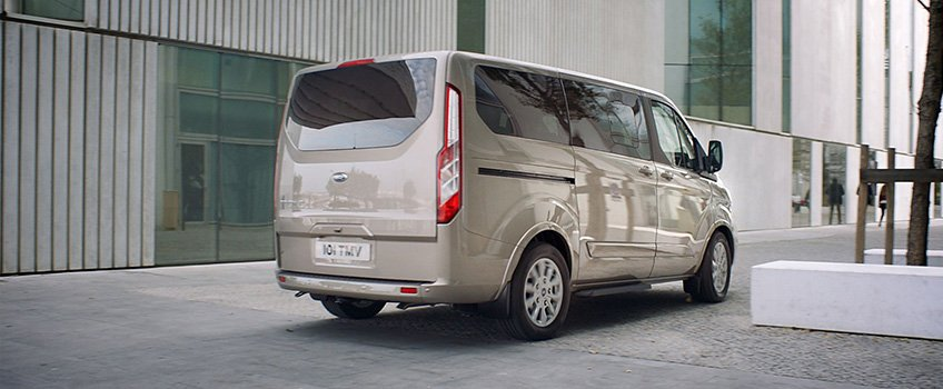 ford_turneo_custom_foto_02.jpg